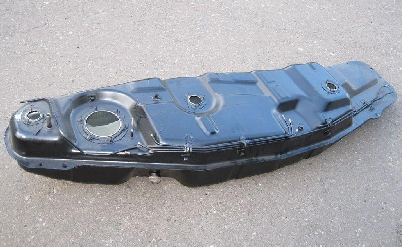 Бак топливный Mitsubishi Pajero 3 V64W 4D56 2000 MR342855