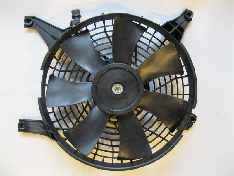 Диффузор радиатора кондицианера Mitsubishi Pajero 3 V64W 4D56 2000