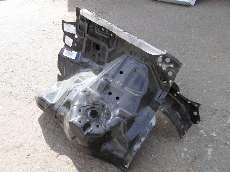 Лонжерон Mitsubishi Pajero 3 V64W 4D56 2000 передний левый (б/у) 5220D775