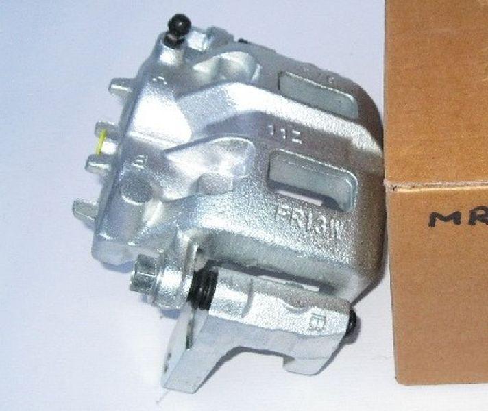 Суппорт тормозной Mitsubishi Pajero 3 V64W 4D56 2000 передний правый MR510537