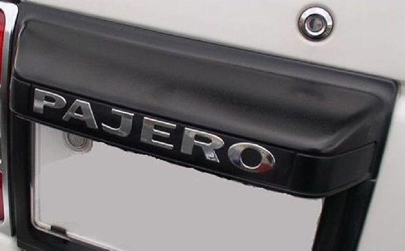 Эмблема Mitsubishi Pajero 3 V64W 4D56 2000 MN146696