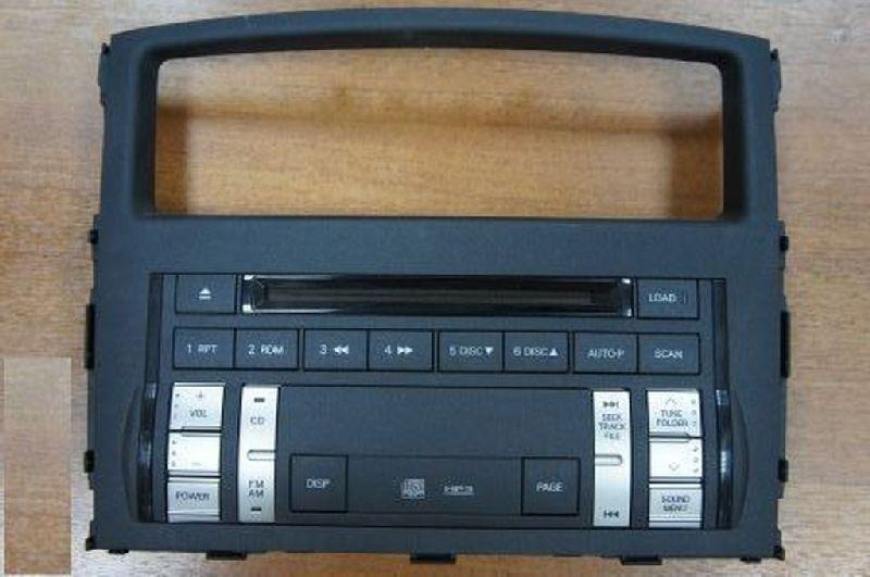 Магнитола Mitsubishi Pajero 4 V87W 4M41 2006 (б/у) 8002A424XA