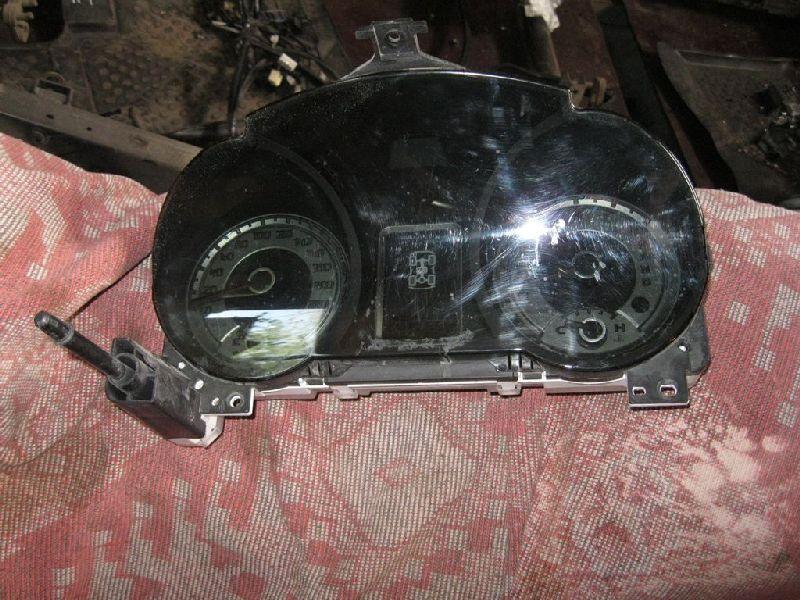 Панель приборов Mitsubishi Pajero 4 V87W 4M41 2006 (б/у) 8100A555