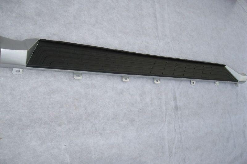 Накладка на подножку Mitsubishi Pajero 4 V87W 4M41 2006 правая 7656A044HA