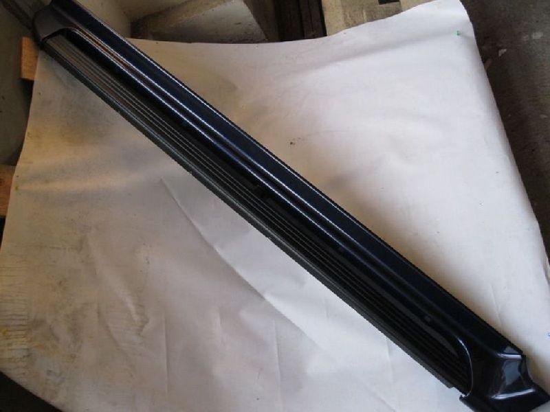 Накладка на подножку Mitsubishi Pajero Sport 1 K97W 4D56 1998 левая MR654489