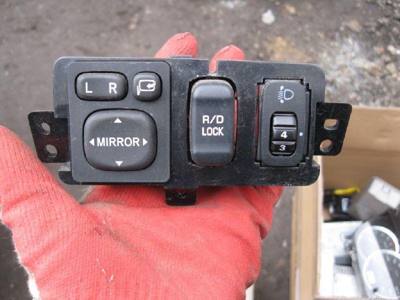 Кнопка Mitsubishi Pajero Sport 2 KH4W 4D56 2008 2009 2010 2011 2012 2013 2014 2015 (б/у) 8606A012