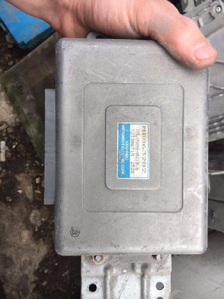 Блок управления двигателем Mitsubishi Galant EA2A 1999 (б/у) MB863282