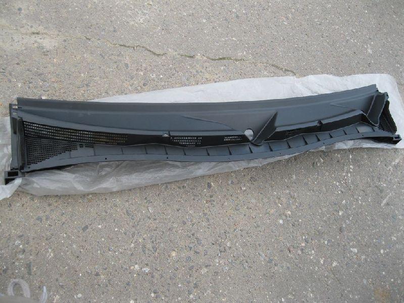 Жабо Nissan Patrol Y62 2010 (б/у) 668621LA0A