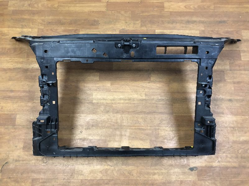 Суппорт радиатора Skoda Fabia (б/у) 5J0805588