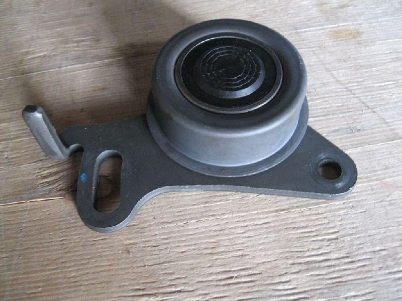 Ролик натяжной Mitsubishi L200 2005- KB4T 2.5D MD050125