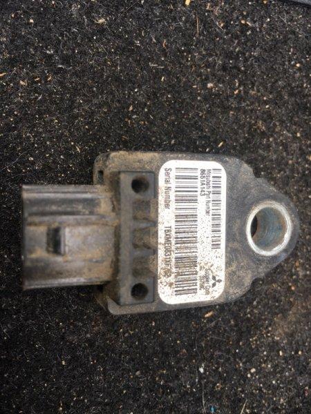 Датчик airbag Mitsubishi Outlander Xl CW6W 3.0 2011 передний (б/у) 8651A143