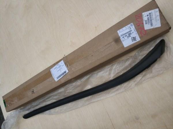 Молдинг лобового стекла Citroen C4 передний правый 96765838XT