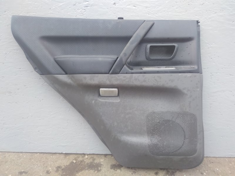 Обшивка двери Mitsubishi Pajero 3 V78W 3.2D 2003 2004 2005 2006 задняя левая (б/у) 7222A079XA