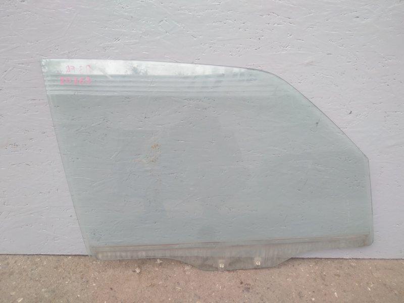 Стекло двери переднее Mitsubishi Pajero 3 V78W 3.2D 2003 2004 2005 2006 переднее правое (б/у) MR436974