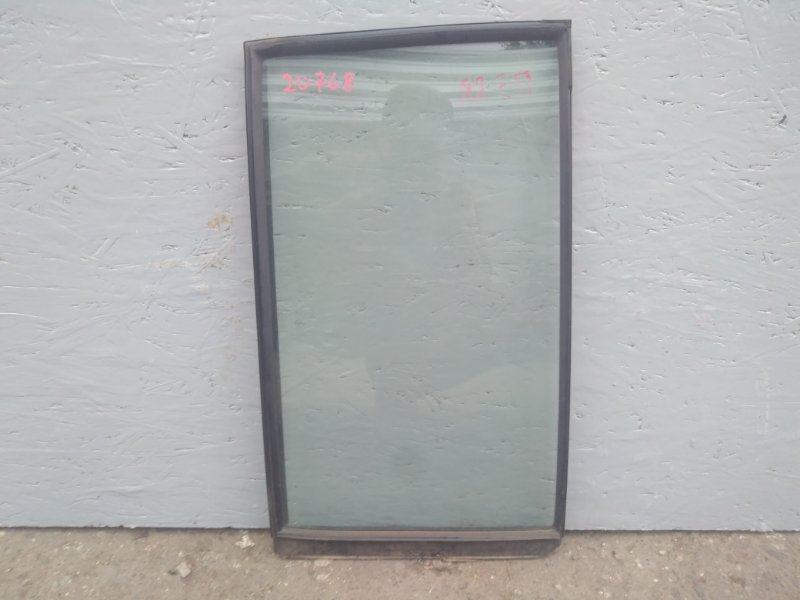 Стекло двери задней Mitsubishi Pajero 3 V78W 3.2D 2003 2004 2005 2006 заднее правое (б/у) MR436986