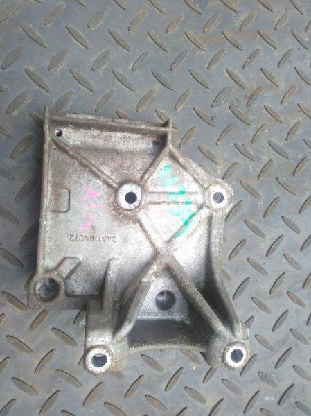 Кронштейн компрессора кондиционера Mitsubishi Outlander 1 CU5W 4G69 2004 (б/у) MN134179