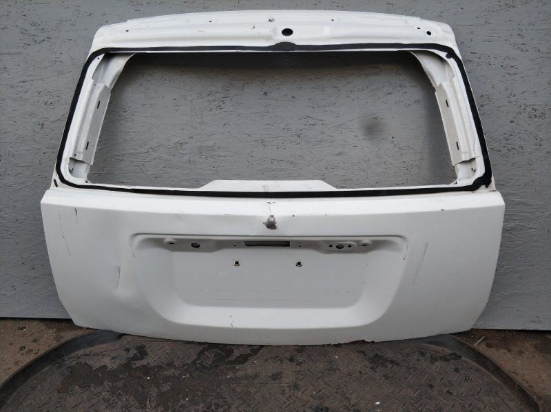 Крышка багажника Jeep Compass Mw MW 2006 2007 2008 2009 2010 2011 задняя (б/у) 05074972AF