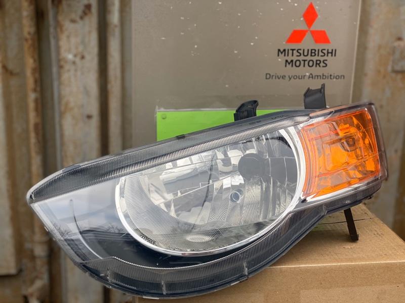 Фара Mitsubishi Colt Z32A 3A91 2009 передняя левая (б/у) 8301B179