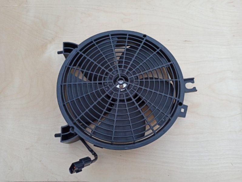 Диффузор радиатора кондицианера Mitsubishi L200 2005- KB4T 4D56 2005 MN123607
