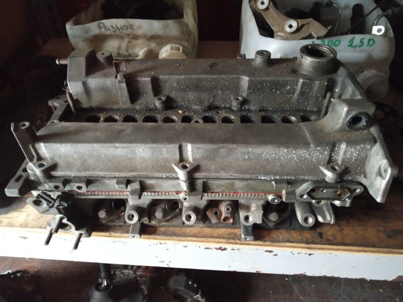 Головка блока цилиндров Mitsubishi Aspire EA3A 4G64 1998 (б/у) MD354214