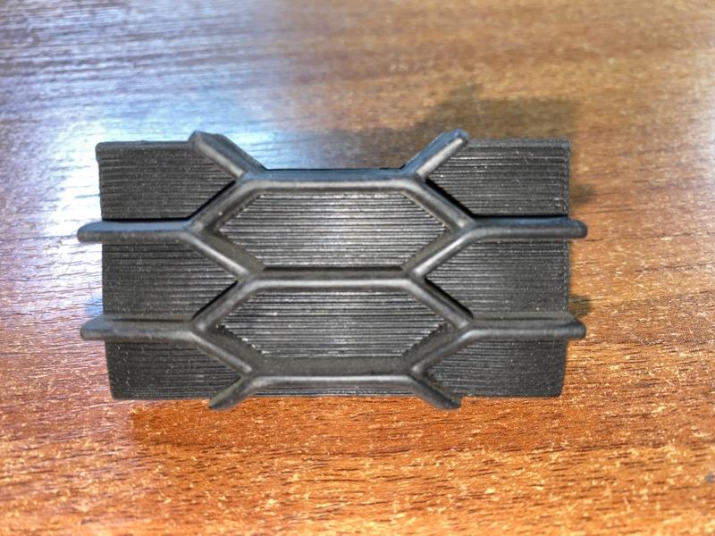 Заглушка Mitsubishi Outlander Xl CW4W 4B10 2010 2011 2012 mbl64022199