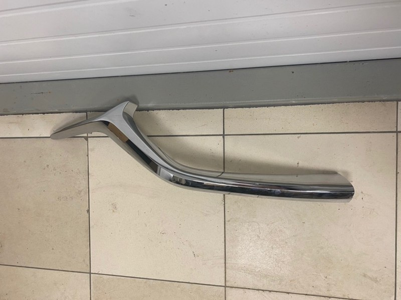 Окантовка решетки радиатора Mazda Cx-5 2017- KF 2017 передняя правая (б/у) KB8A507J1