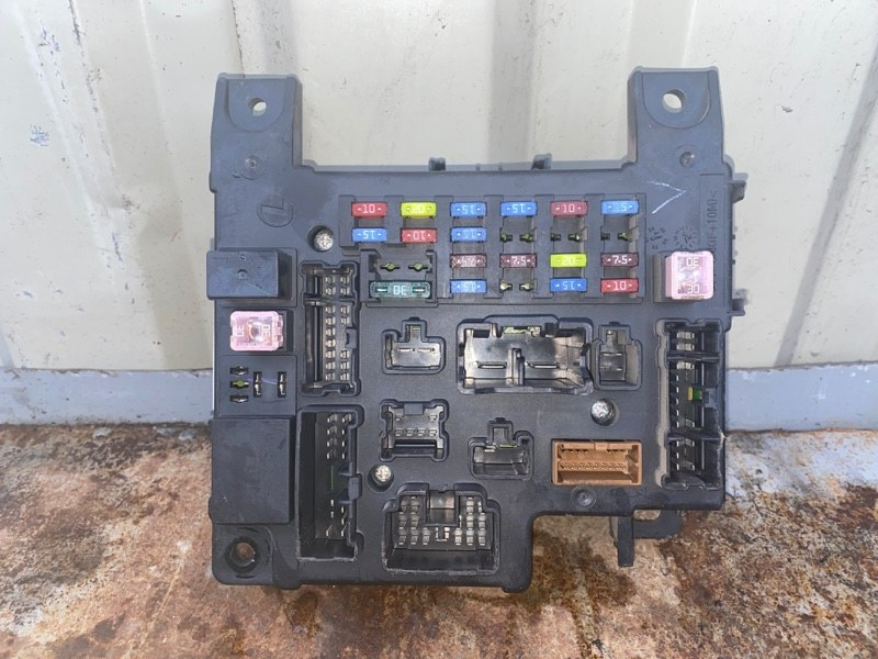 Блок предохранителей Mitsubishi Lancer 10 CY1A 4A91 2007 (б/у) 8637A465