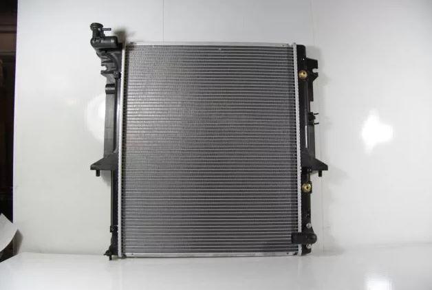 Радиатор двс Mitsubishi Pajero Sport 2 KH4W 4D56 2008 2009 2010 2011 2012 2013 2014 2015 242890ZH