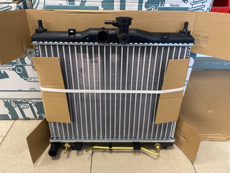 Радиатор двс Hyundai Getz BJ 1.4 2002 2003 2004 2005 2006 2007 2008 2009 2010 2011 327496A