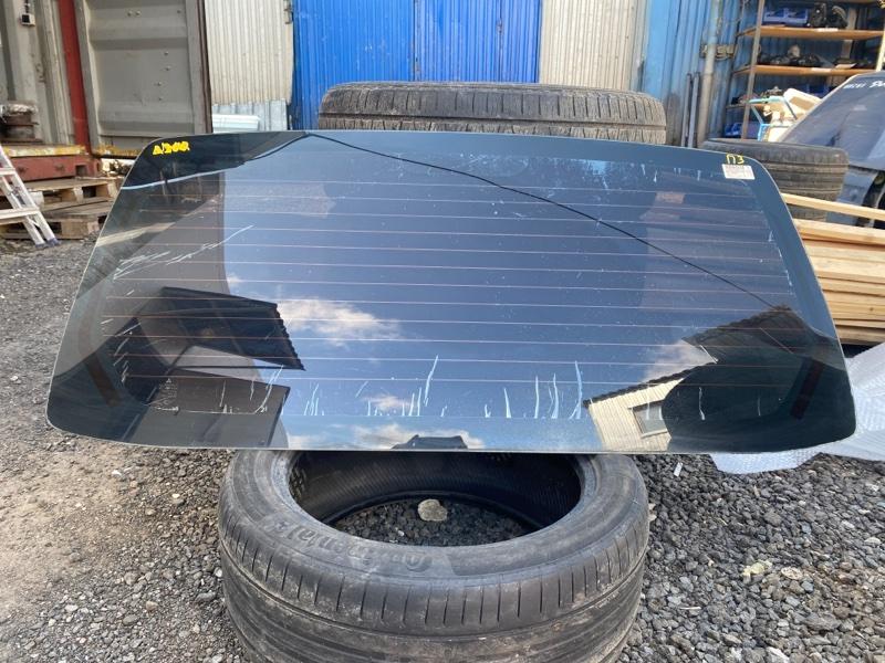 Стекло крышки багажника Mitsubishi Pajero 3 V64W 4D56 2000 заднее (б/у)