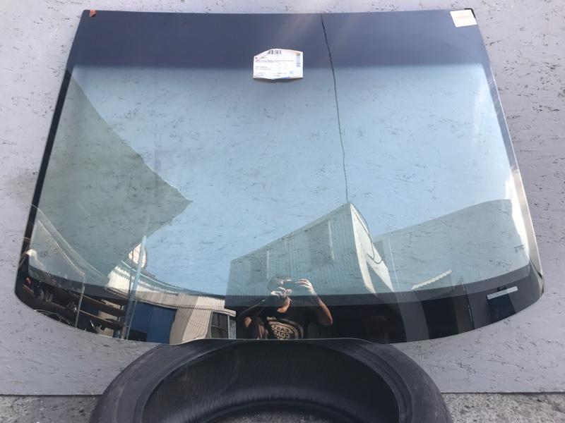 Стекло лобовое Honda Accord 2003 переднее (б/у) 3003700221