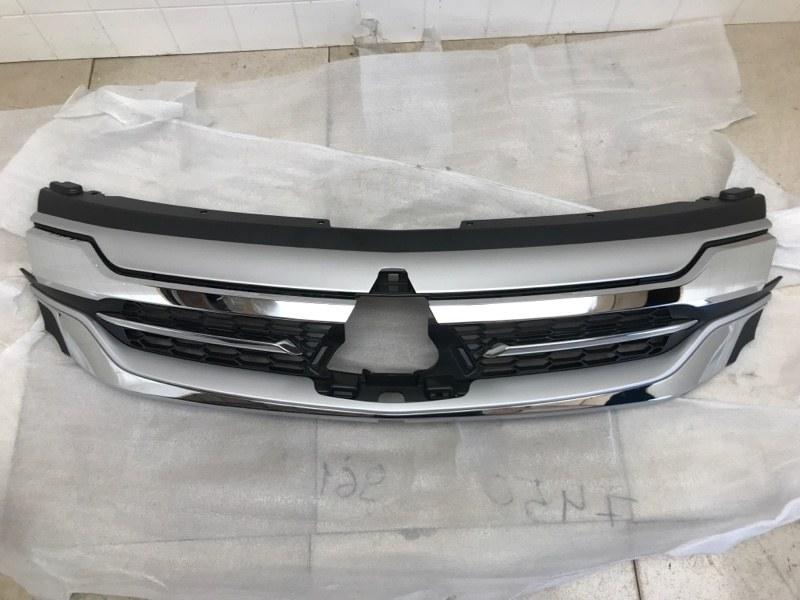 Решетка радиатора Mitsubishi Pajero Sport 3 KS1W 4N15 2017 передняя (б/у) 7450A961