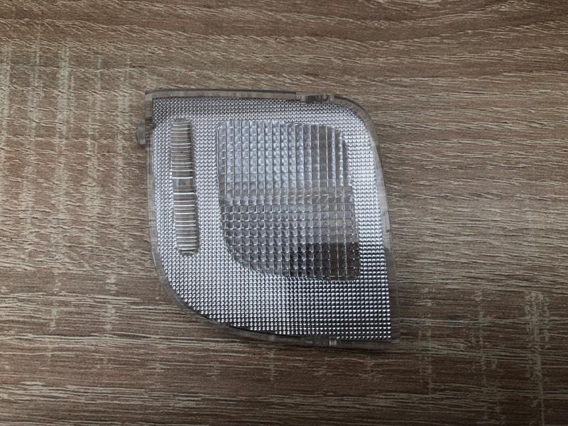 Фонарь подсветки салона Mitsubishi Pajero Sport 3 KS1W (б/у) 8401A253