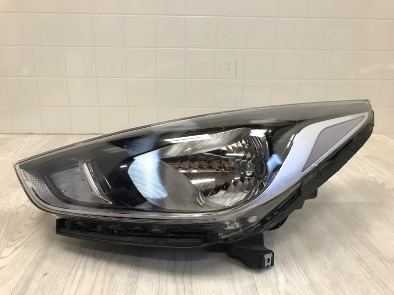 Фара Hyundai Solaris 2 2017 2018 2019 передняя левая (б/у) 92101H5000