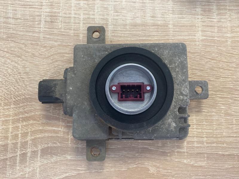 Блок ксенона Mitsubishi Pajero 4 (б/у) 8301C042