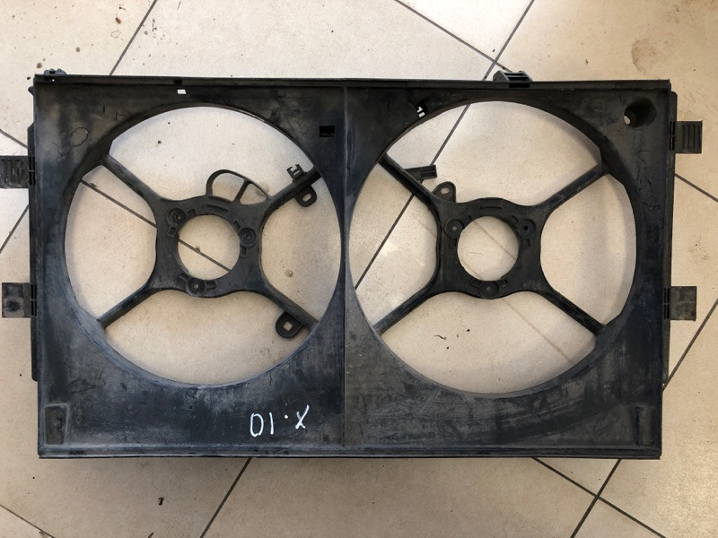 Диффузор радиатора двигателя Mitsubishi Outlander Xl CW1W 4B11 2006 2007 2008 2009 2010 2011 2012 (б/у)