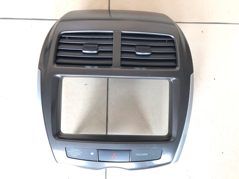 Рамка магнитолы Mitsubishi Asx GA1W 4B10 2010 (б/у)