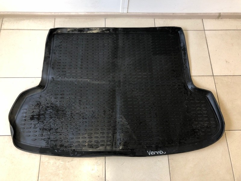 Коврик багажника Hyundai Verna задний (б/у)