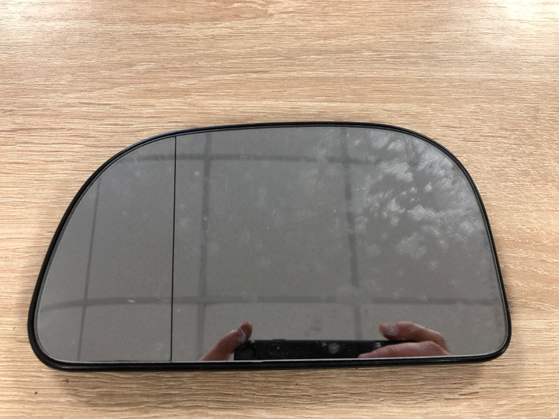 Зеркальный элемент Mitsubishi Space Star левый (б/у)