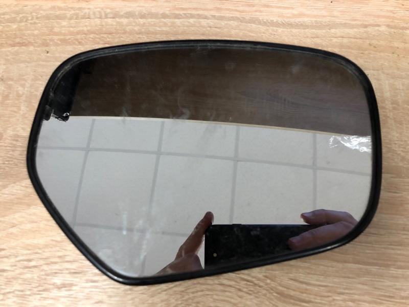 Зеркальный элемент Mitsubishi Grandis NA4W 4G69 2004 правый (б/у) MN145640
