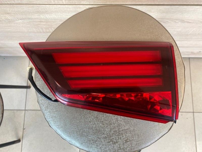 Фонарь в крышку багажника Mitsubishi Outlander 3 GF2W 4B10 2015 2016 2017 2018 2019 2020 задний правый (б/у)