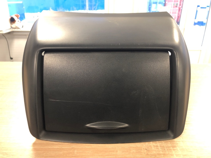 Бардачок Mitsubishi L200 2005- KB4T 2005 2006 2007 2008 2009 2010 2011 2012 2013 2014 2015 (б/у)