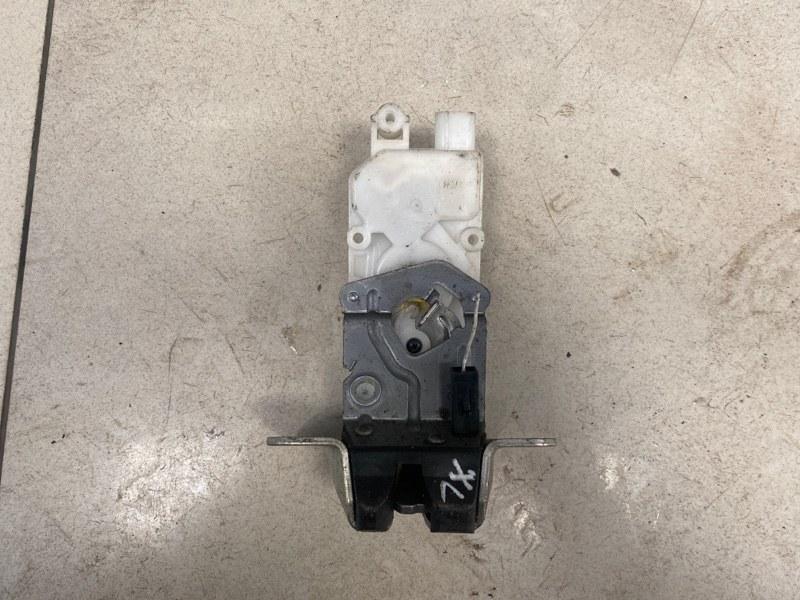 Замок крышки багажника Mitsubishi Outlander Xl CW1W 4B10 2007 задний (б/у)