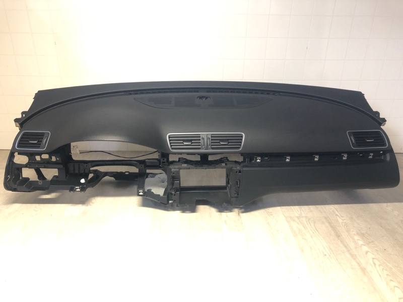 Торпедо Volkswagen Passat B7 1.4 2011 2012 2013 2014 2015 (б/у) 3C1857004ATKV