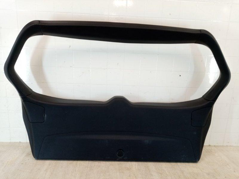 Обшивка крышки багажника Mitsubishi Outlander Xl CW1W 4B10 2007 задняя (б/у)