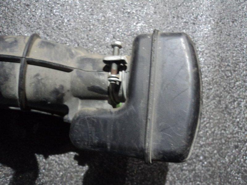 Резонатор воздушного фильтра Toyota Avensis AZT250 1AZ-FSE (б/у)
