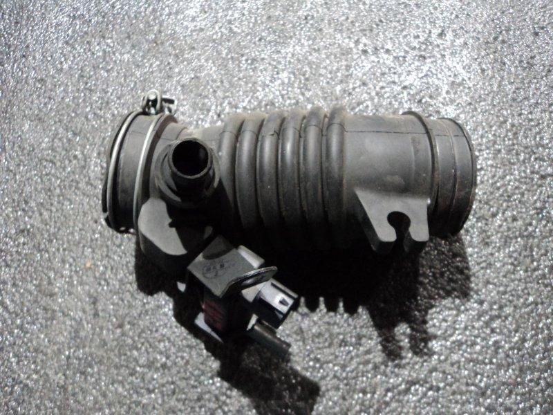 Патрубок воздушного фильтра Toyota Corolla Axio NZE161 1NZFE 2008 (б/у)