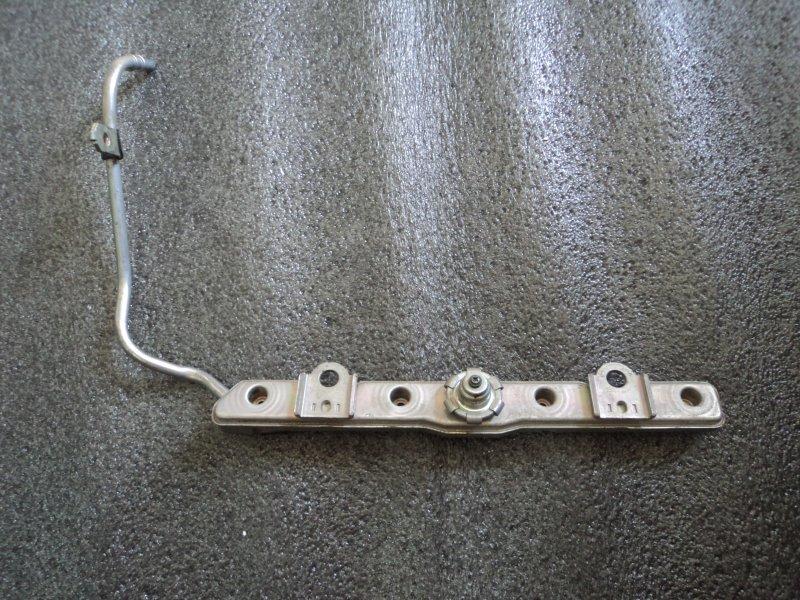 Топливная рейка Toyota 1NZFE (б/у)