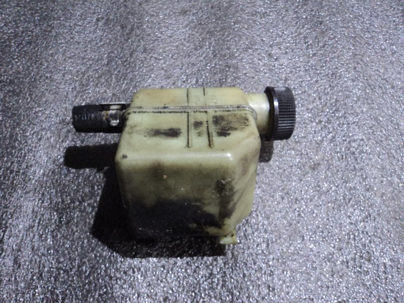 Бачок гидроусилителя Mazda GG3P LF (б/у)