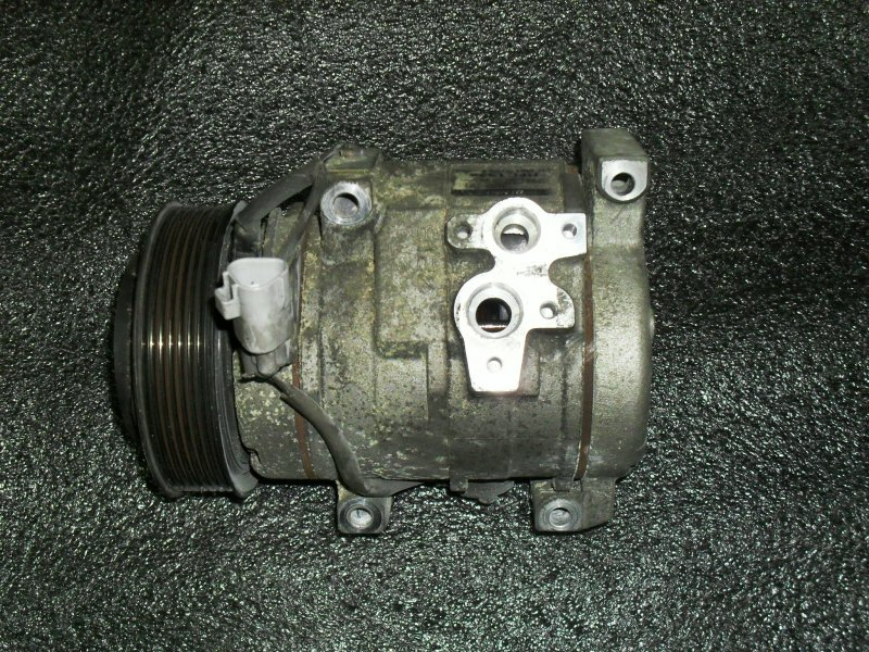 Компрессор кондиционера Toyota Alphard ANH10W 2AZFE (б/у)